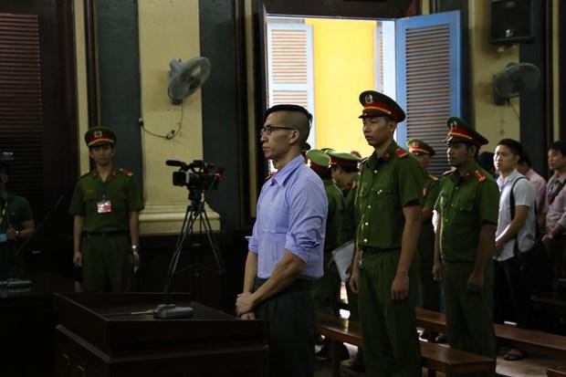 一名美籍越裔因涉嫌扰乱社会秩序罪被驱逐出境 hinh anh 1