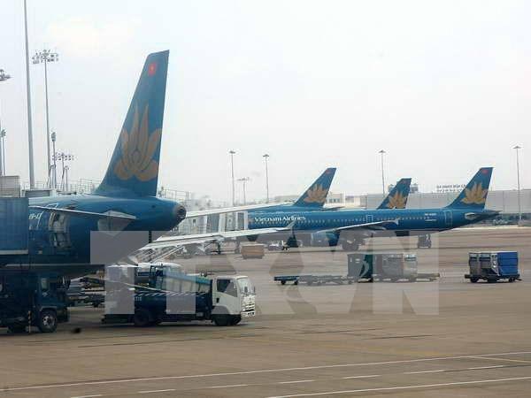 """越航受台风""""安比""""影响对多个往返中国上海航班进行调整 hinh anh 1"""