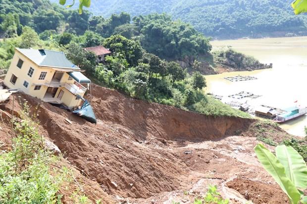 携手帮助三号台风北部和中部以北地区受灾人民 hinh anh 1