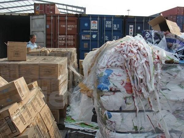 政府总理要求加大对废弃物进口的管理 hinh anh 1