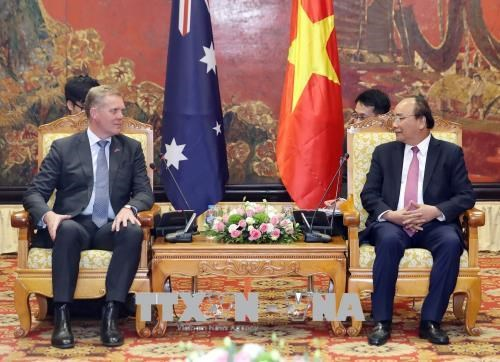 越南政府总理阮春福会见澳大利亚众议院议长托尼·史密斯 hinh anh 2