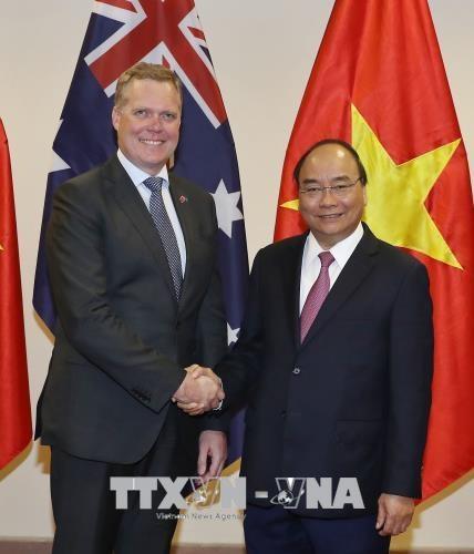 越南政府总理阮春福会见澳大利亚众议院议长托尼·史密斯 hinh anh 1