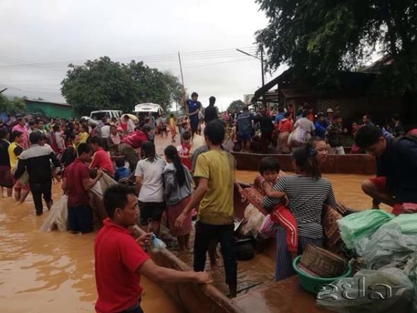 老挝水电站大坝坍塌:老挝总理通伦·西苏里赴现场监督救援 hinh anh 2