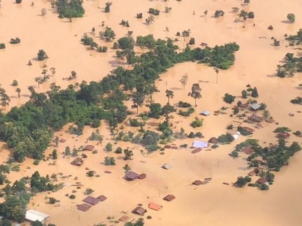 老挝水电站大坝坍塌:旅老越南人安全得到保障 湄公河委员会强调越南不受影响 hinh anh 1