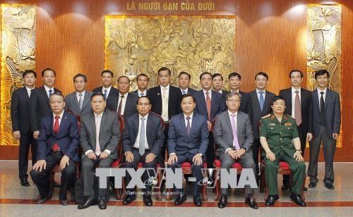越老两国政府监察署深化合作关系 hinh anh 2
