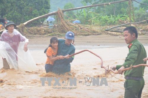柬埔寨首相致信慰问越南北部地区各省灾民 hinh anh 1