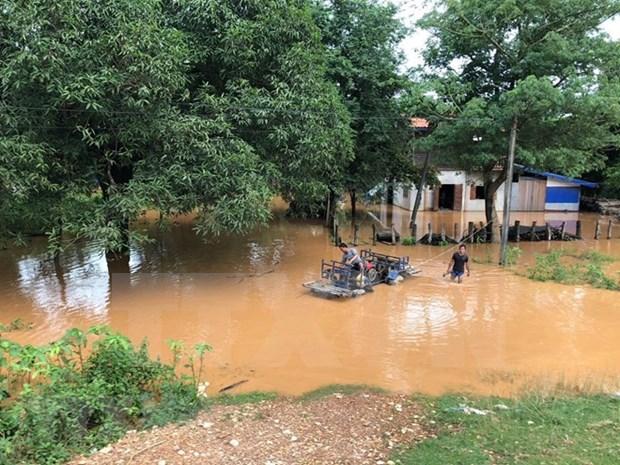 越南继续向老挝水电站大坝坍塌事故受灾群众提供援助 hinh anh 2