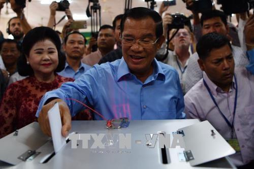 柬埔寨第六届国会选举开始投票 hinh anh 1