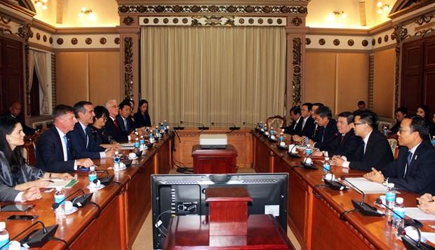 胡志明市领导会见美国洛杉矶市市长埃里克·加希提 hinh anh 1