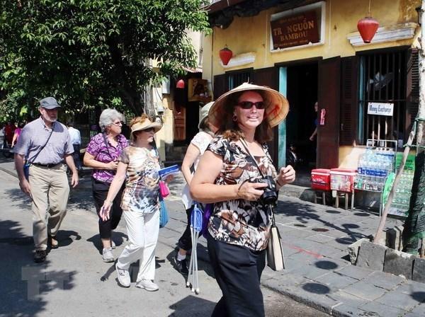 越南接待国际游客继续猛增 hinh anh 1