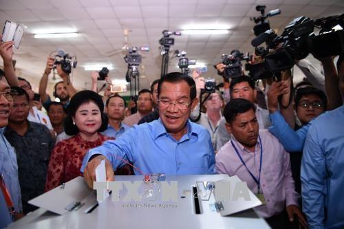 柬埔寨人民党在第六届国会选举中获胜 hinh anh 1
