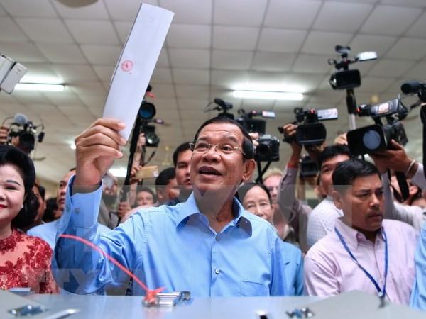 越南领导人就柬埔寨成功举办第六届国会选举向柬埔寨首相洪森致贺电 hinh anh 1