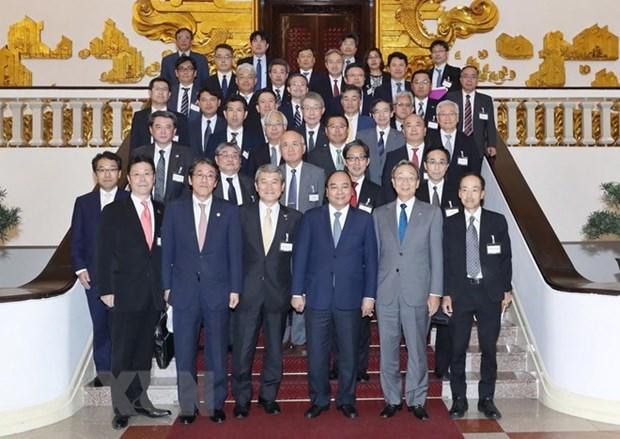 越南政府总理阮春福会见日本经济团体联合会代表团 hinh anh 1