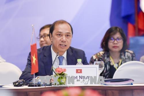 越南承诺切实推动东亚峰会合作 hinh anh 1