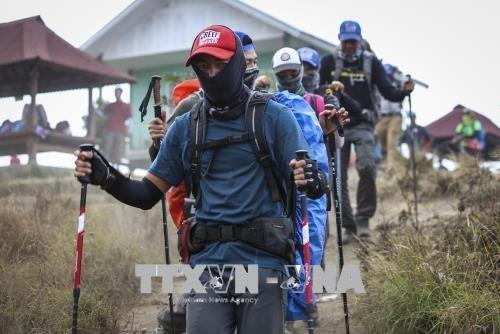 印尼6.4级地震: 1000多名被困登山人被疏散 hinh anh 1