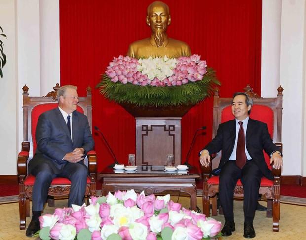 越共中央经济委员会主任阮文平会见美国前副总统阿尔·戈尔 hinh anh 2