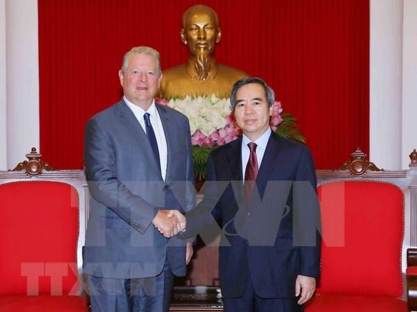 越共中央经济委员会主任阮文平会见美国前副总统阿尔·戈尔 hinh anh 1