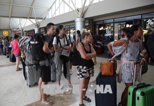 印尼强烈地震:2000多名游客已撤离灾区 所有丧命者都是印尼人 hinh anh 2