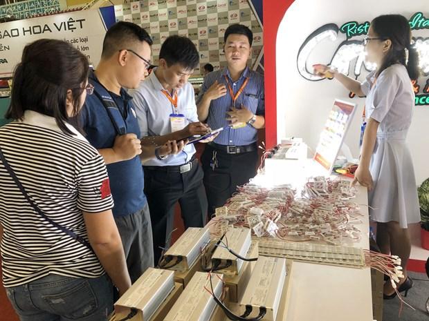 2018年越南国际工业制造技术设备展在河内举行 hinh anh 1