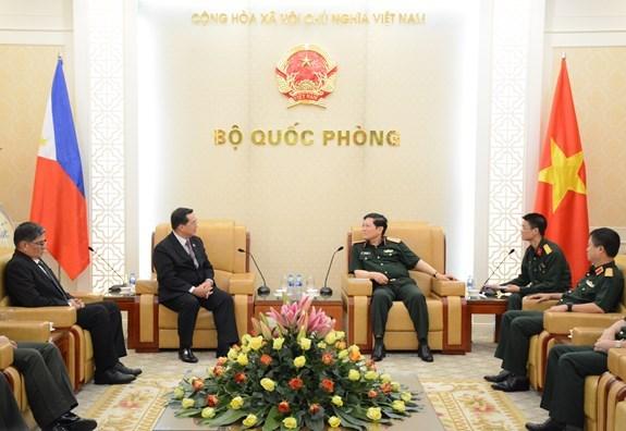越南与菲律宾加强防务合作 hinh anh 1