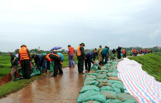 越南水利科学研究院与越南水利科学院签署有关预防自然灾害的合作协议 hinh anh 1