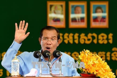 柬埔寨首相:柬埔寨重视发展同越南的长期合作关系 hinh anh 1
