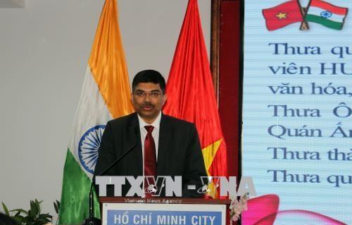 印度独立日71周年见面会在胡志明市举行 hinh anh 3