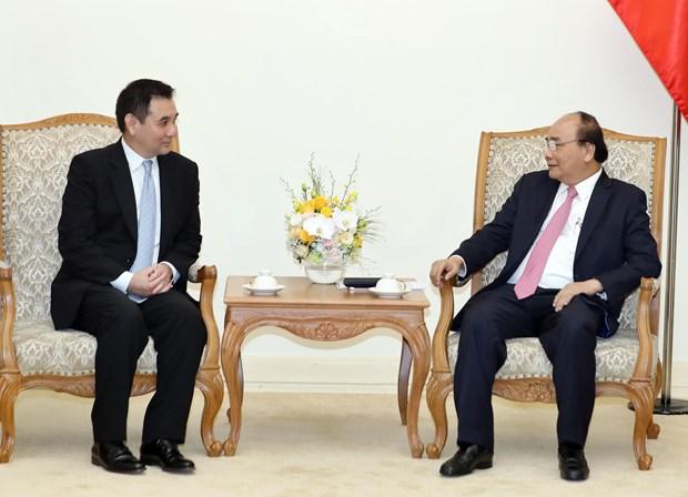 越南政府总理阮春福会见外国投资者 hinh anh 2
