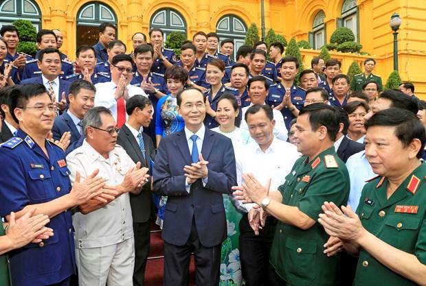 """国家主席陈大光:发挥""""海警与渔民同行""""模式的效果 hinh anh 3"""