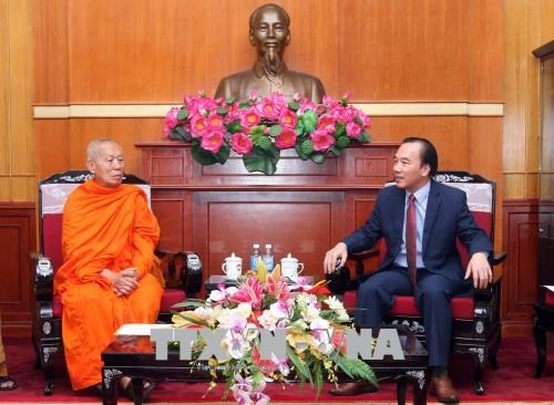 越南与老挝两国佛教协会加强合作增进交流 hinh anh 2