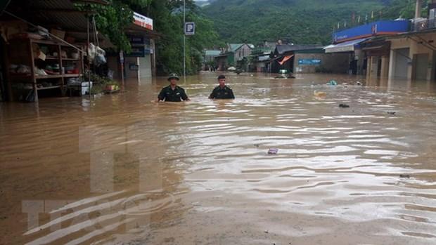 暴雨洪水造成至少6人死亡和失踪 hinh anh 1