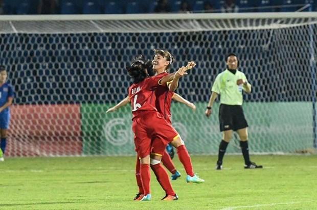 ASIAD 2018:越南女子足球队以3比2击败泰国队 赢得四分之一决赛席位 hinh anh 2