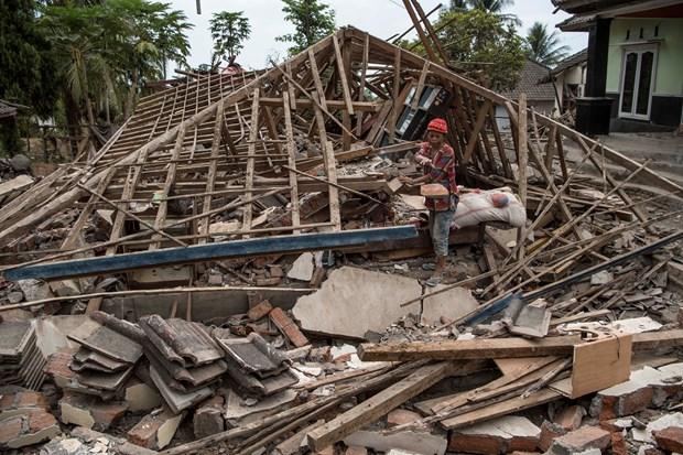 印尼龙目岛东北以北发生7.2级地震 hinh anh 1