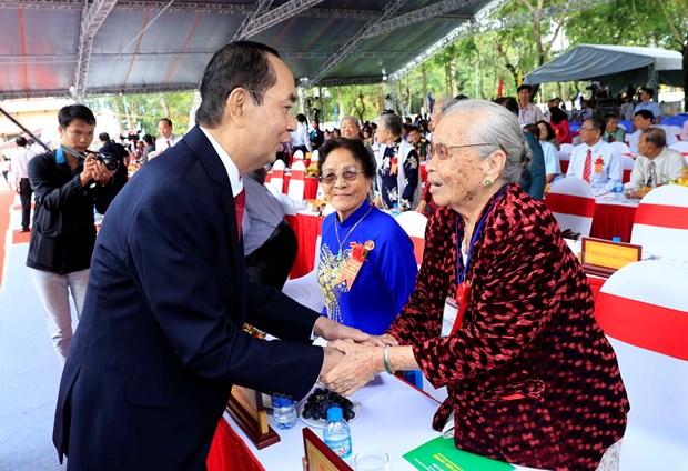 孙德胜主席诞辰130周年纪念典礼--重温越南革命传统的机会 hinh anh 2
