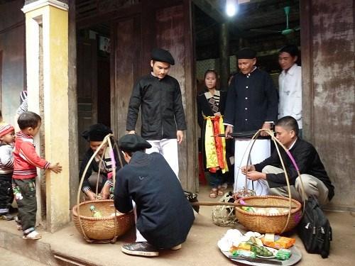 高兰族的婚俗 hinh anh 1