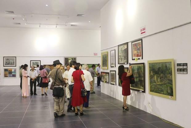 2018年第一地区绘画作品展在河内展出 hinh anh 1