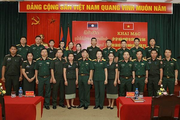越南协助老挝进行博物馆业务培训 hinh anh 1
