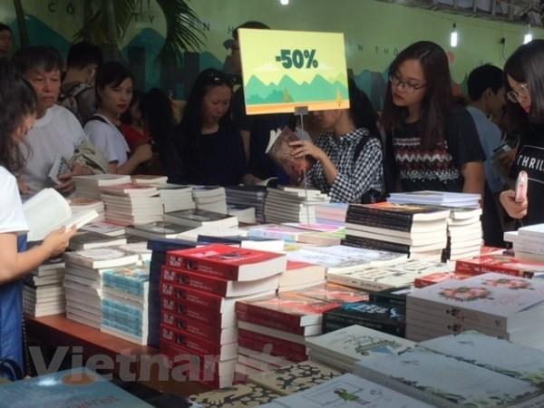 2018年越南秋季图书节 弘扬阅读文化 hinh anh 1