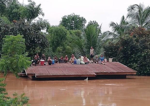 越南驻俄罗斯大使馆为老挝水电站倒塌事故灾民发起爱心捐款活动 hinh anh 1