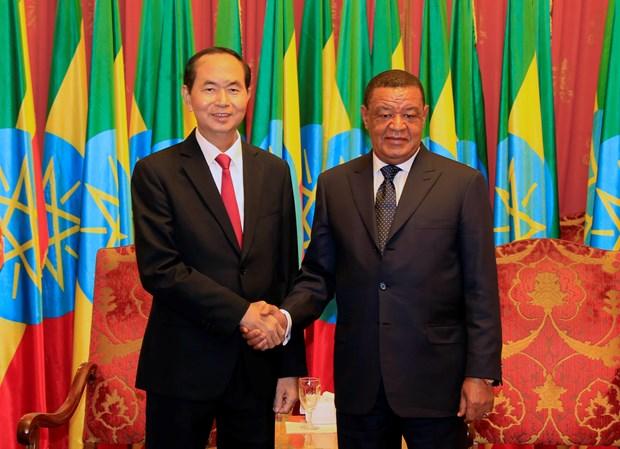 越南国家主席陈大光和埃塞俄比亚总统穆拉图•特肖梅举行会谈 hinh anh 1