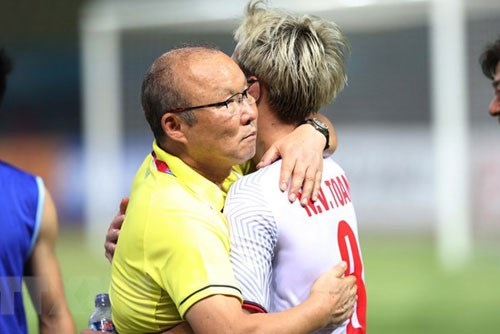 ASIAD 2018:韩国媒体赞美越南国奥队第五场胜利 hinh anh 2