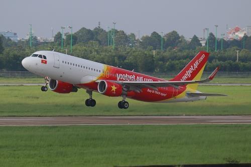 2018年越南全国航空客运量有望突破1亿人次 hinh anh 1