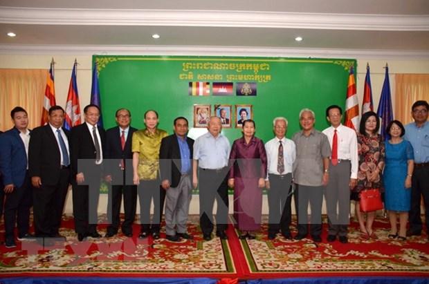 越柬友好协会与柬越友好协会加强友好合作关系 hinh anh 1