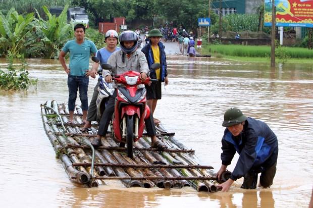 政府总理下达公函指示应对九龙江三角洲和北部地区水灾 hinh anh 1
