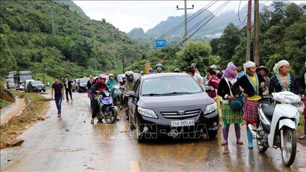 莱州遭特大暴雨洪水 导致2人死亡 多条公路受阻 hinh anh 2