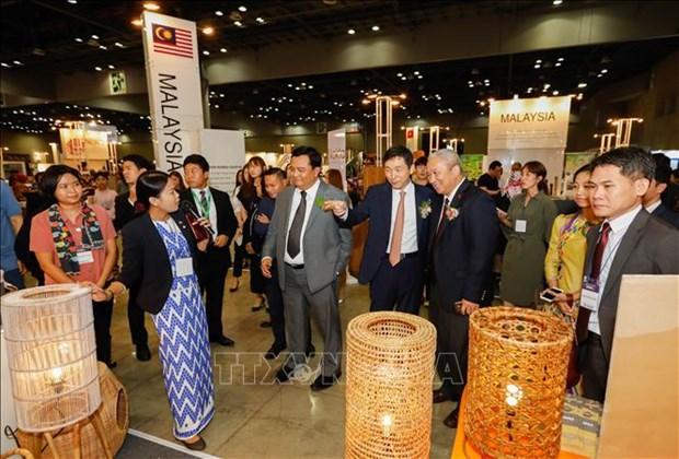 东盟7国木制品展览会在韩国举行 hinh anh 2