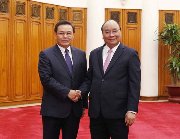 阮春福会见来访的老挝建国阵线中央委员会主席赛宋蓬·丰威汉 hinh anh 1