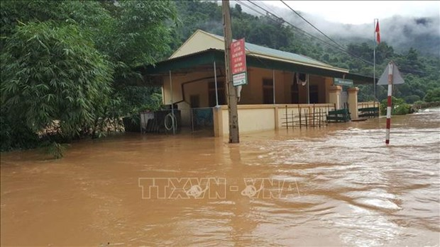 越南北部和北中部地区山区省份暴雨洪水导致14人死亡 4人失踪 hinh anh 2