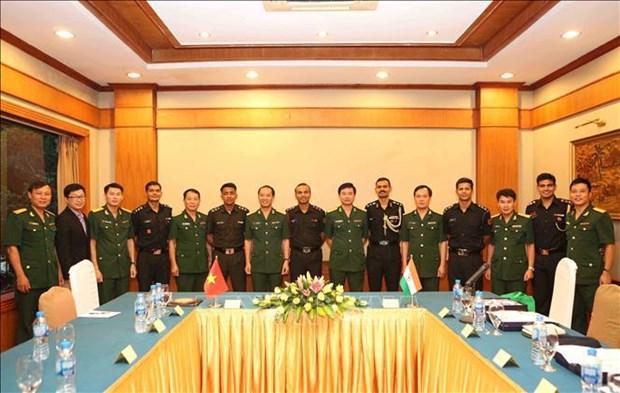 越南与印度青年军官开展交流座谈活动 hinh anh 2