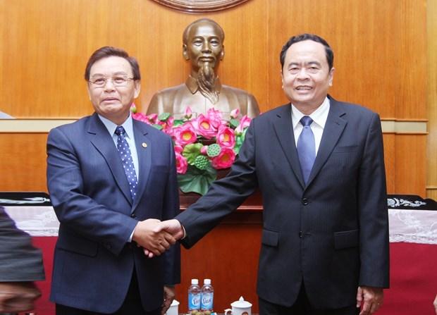 越南祖国阵线与老挝建国阵线的合作关系不断走向深入 hinh anh 1